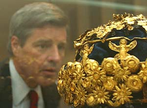 Golden crown of Babylon